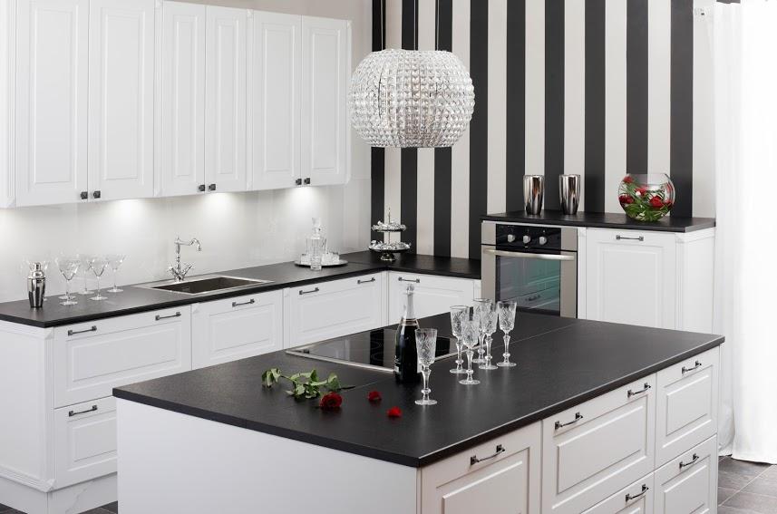 Duuri valkoinen 9011 pilasterit keittiö